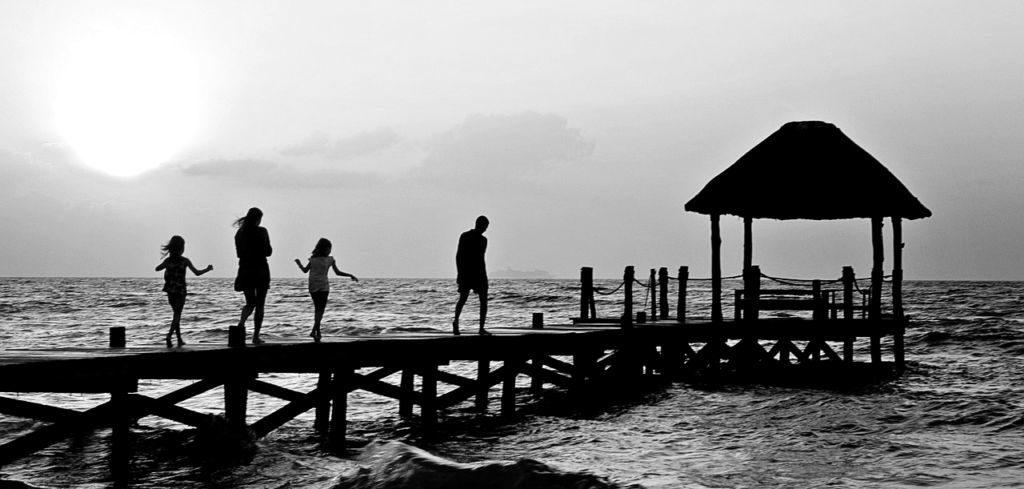 家族 海 桟橋