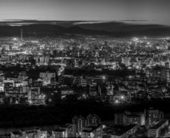 地震 街 明かり 都会