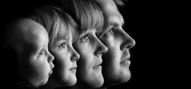 4人家族  人間関係