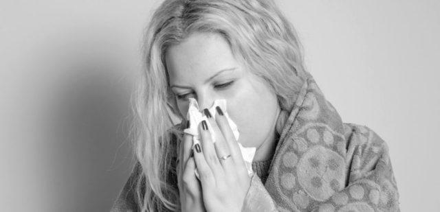 女性 鼻水 風邪