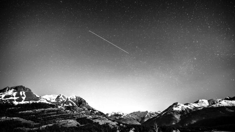 流れ星 冬山