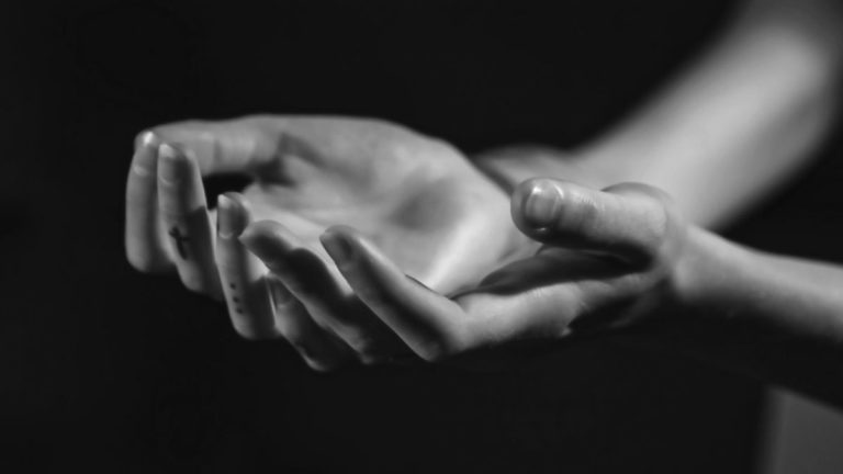 両腕 両手